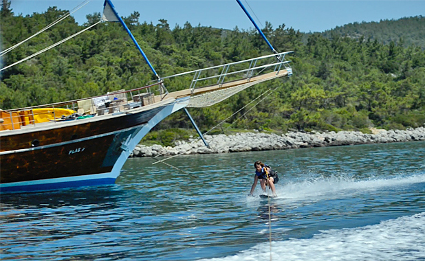 Sailing holidays with water skiing activities