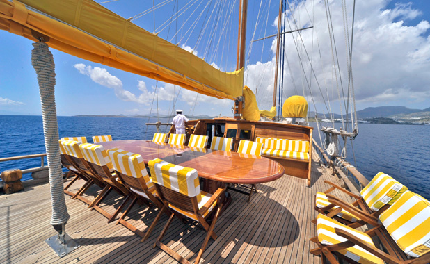 Private luxury yacht charter for large groups in Turkey