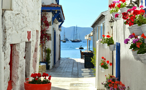 Luxury Cabin Charter yacht Holidays in The Greek Islands