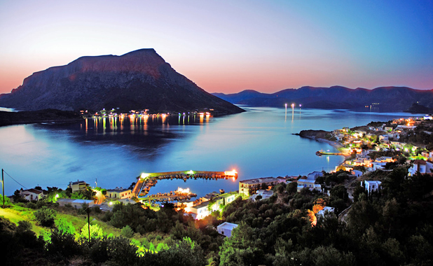 Luxury Yacht Holidays For Large Groups in The Greek Islands