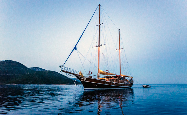 Large yacht for 10 guests in Greek Islands & Turkey